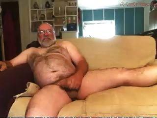 सोफे पर पिताजी स्ट्रोक