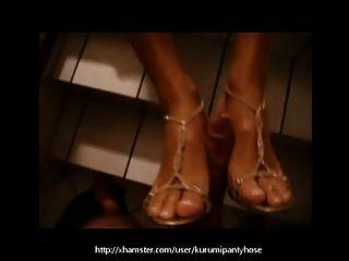 कुरुमपंथीहोज पर मेरे जूते के साथ सार्वजनिक footjob!
