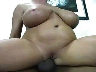 गोरा बड़े स्तन परिपक्व अंतरजातीय