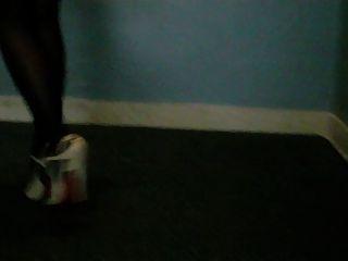 उच्च ऊँची एड़ी के जूते सैंडल और नायलॉन पैर