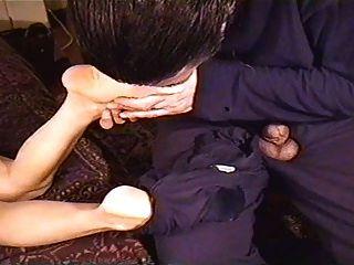 परिपक्व पैर सूँघने