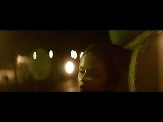 सेलेना गोमेज़ पीओवी अश्लील संगीत वीडियो