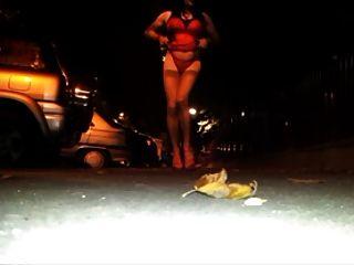 सड़क में सेक्सी शो
