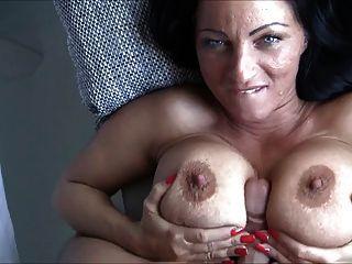 कमबख्त बड़े स्तन