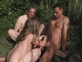 जंगल में व्यभिचारी पति