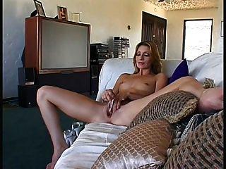 सेक्सी titless milf