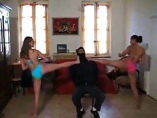 महिला मार्शल आर्ट बुत 2