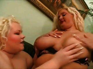 2 बड़े वसा बीबीडब्ल्यू समलैंगिकों चुंबन प्यार करता है, उनके pussies चूसने 1
