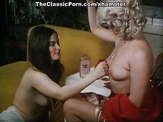 टीना रसेल, जॉर्जिया स्पेलविन, पुरानी सेक्स में पूर्वी एशियाई