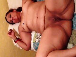 डोमिनिकन बीबीडब्ल्यू बड़े गधे और बिल्ली पुता