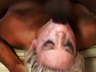 गोरा फूहड़ चुंबन एक मोटा blowbang वीडियो dtd में