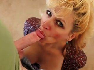 सेक्सी पत्नी को blowjob सत्र से पहले मुलाकात की