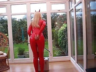 लाल पीवीसी catsuit