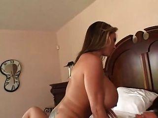 लिसा लाइप्स फाट गधा स्तन
