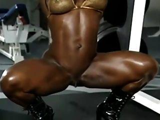 काले महिला