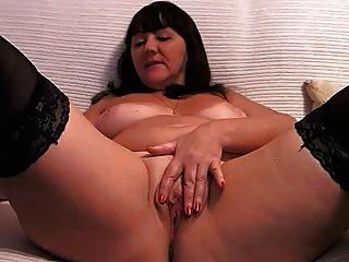 डोना कैम पर masturbates