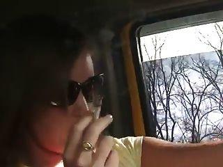 कार धूम्रपान