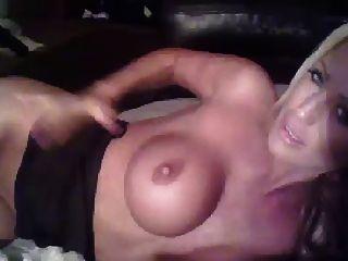 कैम पर सेक्सी गोरा गर्मियों के खिलौने