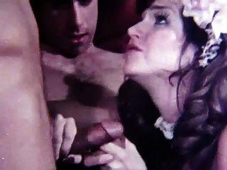 जेनिफर लंड प्यार करता है!