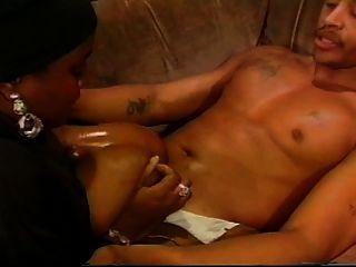 आबनूस tittyfuck परिपक्व महिला (2 वीडियो)