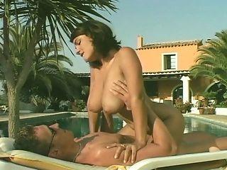 ससी sorrento पूल द्वारा यौन संबंध है
