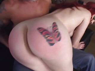 लड़की गड़बड़ जबकि spanked है