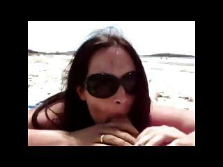 समुद्र तट झटका और handjob बीवीआर