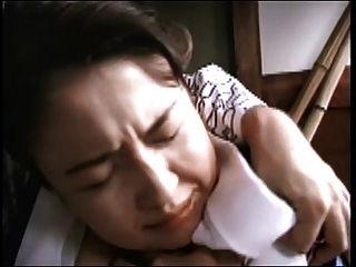 बिना सेंसर वाले जापानी बीबीडब्ल्यू मैरिनो
