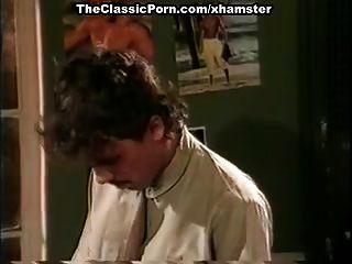 जैमी ग्रीष्मकाल, किम एंजली, क्लासिक सेक्स सीन में टॉम बायरन