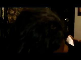 चॉकलेट लड़की सफेद डिक एमेच्योर में मौखिक सेक्स करते हैं