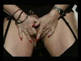 परिपक्व वेश्या पार्किंग में drilled