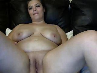 बीबीडब्ल्यू लड़की लंबे dildo कमबख्त बिल्ली के साथ, मालिश स्तन