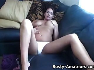 busty leslie उसे बिल्ली masturbates