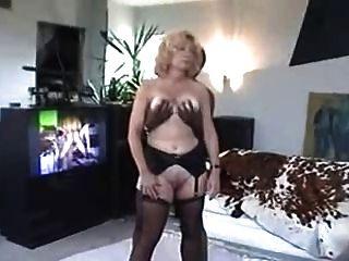 सीएस गर्म पत्नी