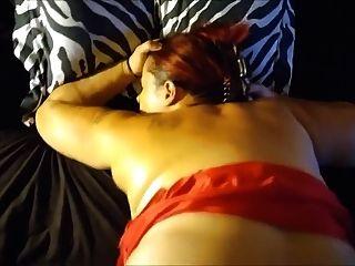 लाल पोशाक गड़बड़ गड़बड़ में वेश्या