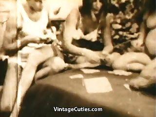 किशोर swingers पट्टी पोकर खेलते हैं और बकवास (1 9 60 के दशक पुरानी)