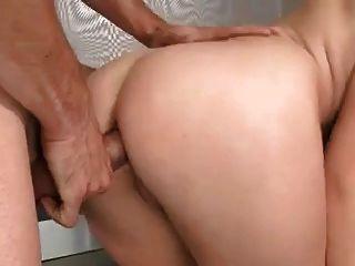 busty रूसी लड़की dped