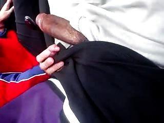 देसी मल वाली लड़की चूसने वाली कार में फुकिंग करती है
