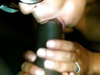 चश्मे में आबनूस milf काले blowjob