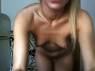 सेक्सी गोरा और नग्न