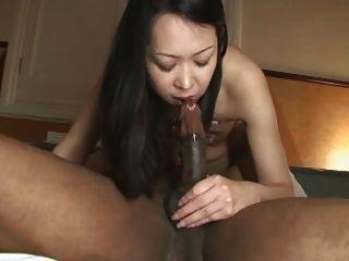 एक काले डिक के साथ जापानी!