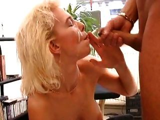 धूम्रपान गोरा सेक्स