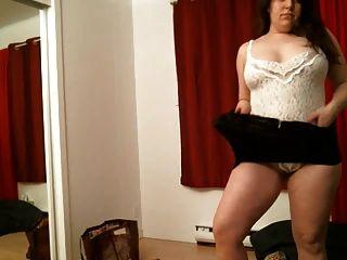 सेक्सी सुडौल श्यामला पट्टी 1