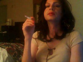 जीना धूम्रपान ट्रांस रानी
