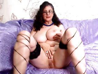 बड़े स्तन और बिल्ली intensemature