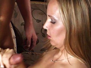 बड़े स्तन लड़की दे Handjob
