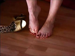 सेक्सी लड़कियों सेक्सी ऊँची एड़ी के जूते में 41