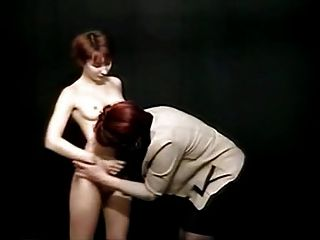 पुराने और युवा समलैंगिक शौकिया प्रदर्शन