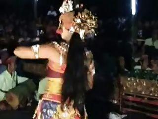 बाली प्राचीन कामुक सेक्सी नृत्य 6