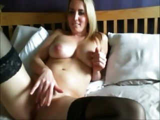 परिपक्व महिला हस्तमैथुन